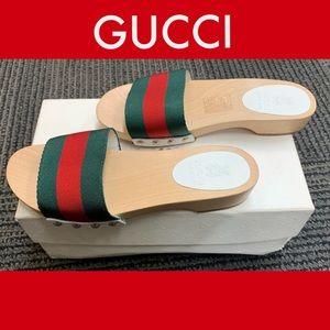 Gucci Shoes - New Authentic Gucci Kids Sandal Size 30/US 12.5,